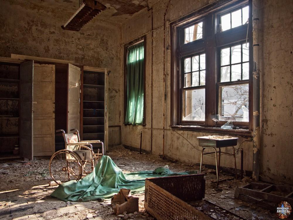 Pennhurst State School (Spring City, PA)   Contemplative Wheelchair - Pennhurst State School and Hospital