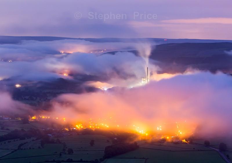 Fire Lights at Dawn - Mam Tor mist - Photos of the Peak District