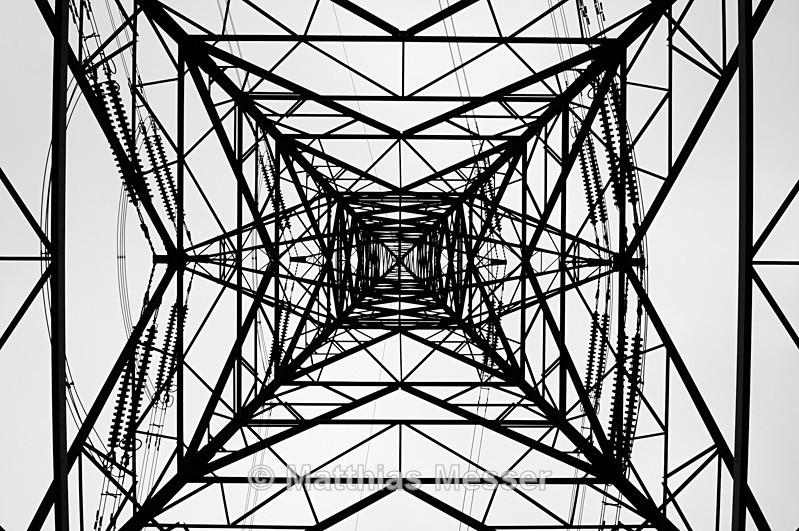PylonArt Sizewell - Abstract