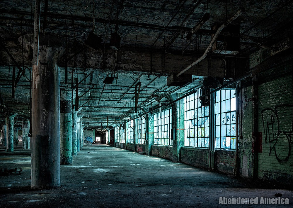 Fisher Body Plant 21 (Detroit, PA) | Blue light - Fisher Body Plant 21