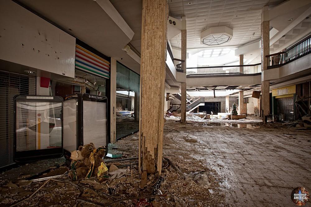 Randall Park Mall (North Randall, OH) | Lonely Bear - Randall Park Mall