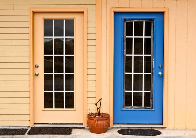 blue door - Oregon