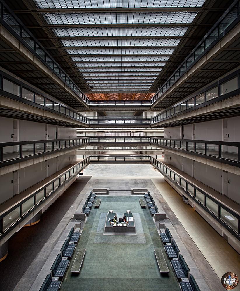 Bell Labs (Holmdel, NJ)  | Abandoned America