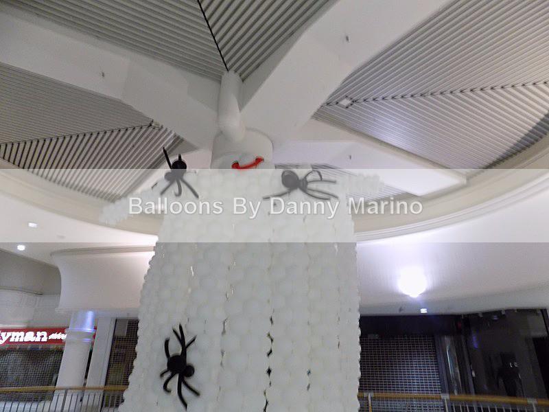 BIG Ghost - Balloon Sculptures
