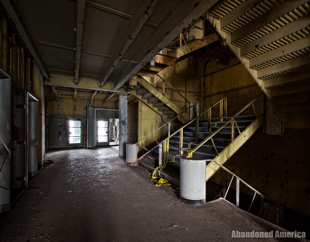 Grand Stairway Profile | SS United States (Philadelphia, PA) - SS United States