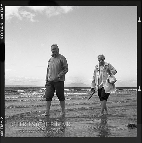 Beach Pedicure - Black & White