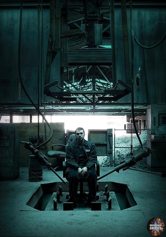 Abandoned aluminum plant - Matthew Christopher's Abandoned America