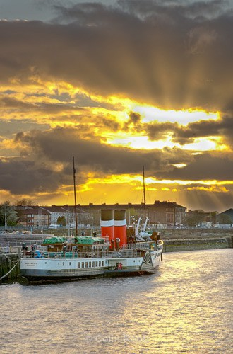 Waverley paddle steamer | by Colin Robb