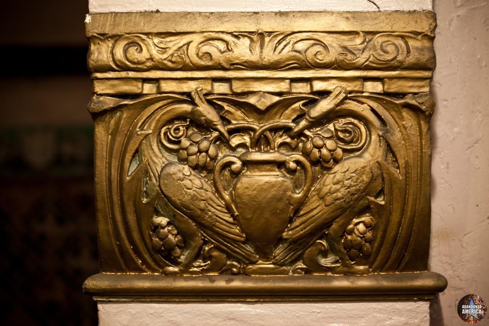 The Lansdowne Theatre | Molding Detail - The Lansdowne Theater
