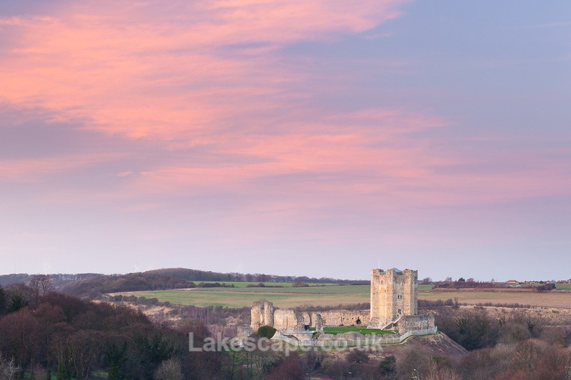 Dusk at Conisbrough Castle_3627 - Yorkshire