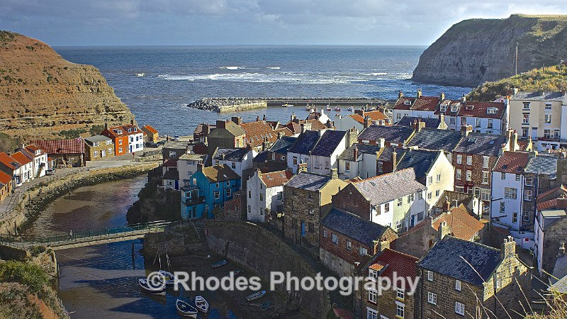 Staithes in sun - Seascape Shop