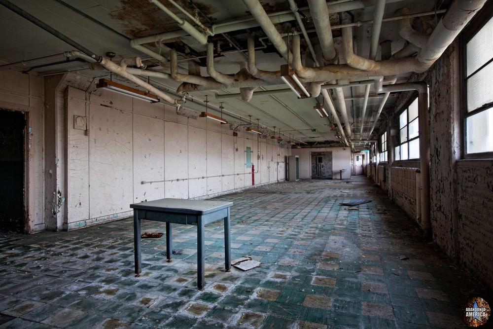 Philadelphia Naval Shipyard   Long Room - Philadelphia Naval Shipyard