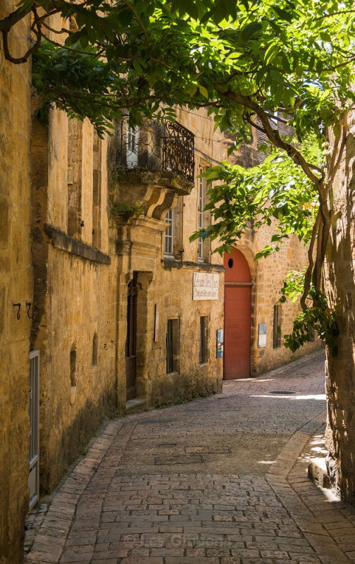 Sarlat alley - The Dordogne