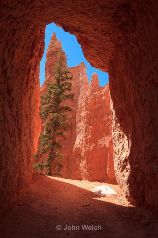 Hoodoo Tunnel - Utah
