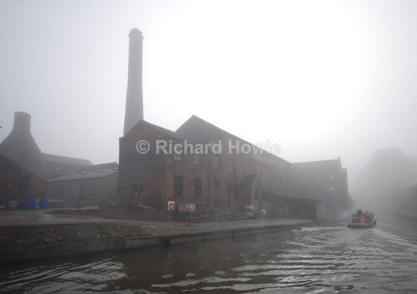 Foggy Middleport - Potteries Images