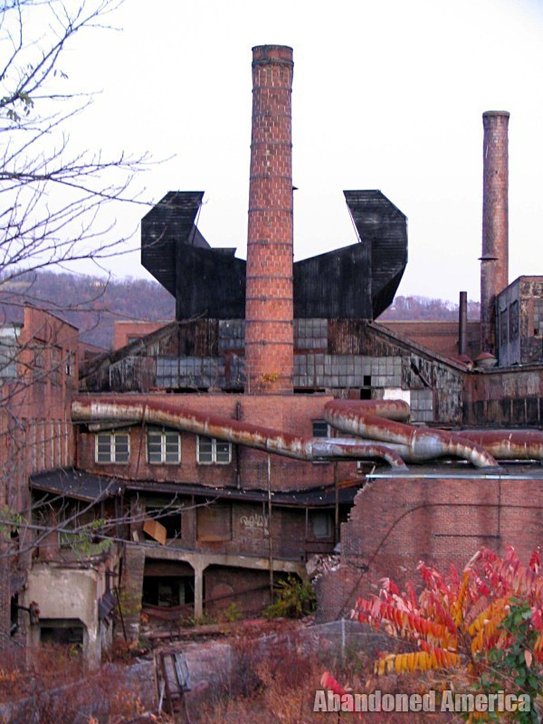 Fostoria Glass Company (Moundsville, WV) | Smokestack - The Fostoria Glass Company