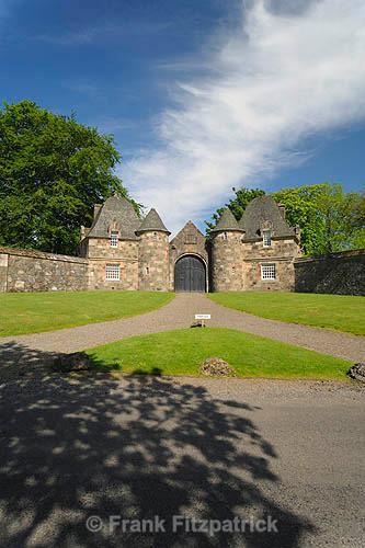 Formakin House gate lodges (2) - Renfrewshire