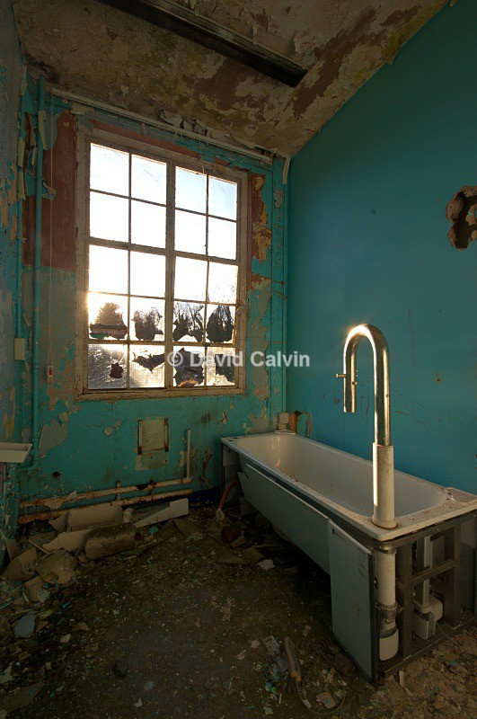 En Suite - Dereliction