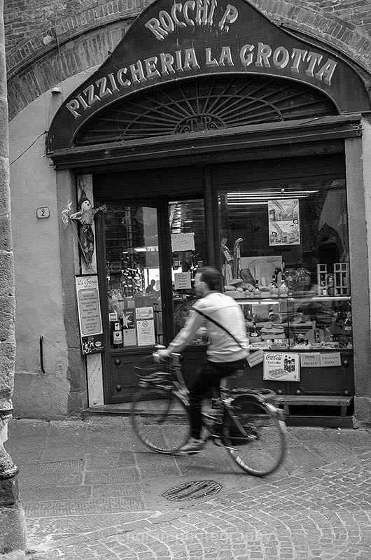 Italian Shop-2329 - RSCH Gallery displayed images