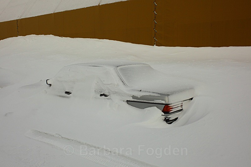 Do not leave your car overnight 6104 - Winter in the daylight