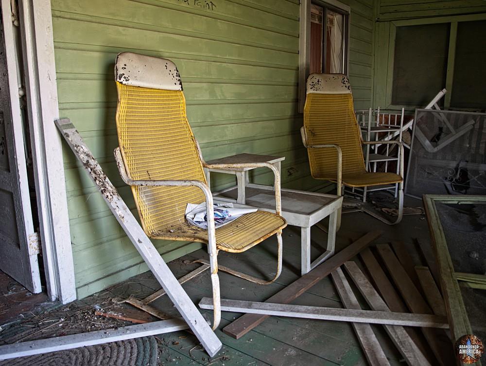 Long Beach, CT | Seat in the Shade - Pleasure Beach and Long Beach