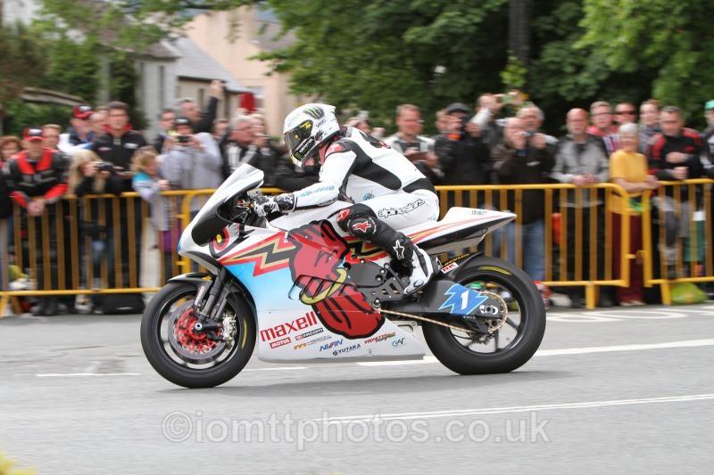 John McGuinness Shinden San / Team Mugen - SES TT Zero