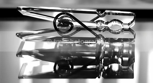 Crystal Peg. - Monochrome Photograph's