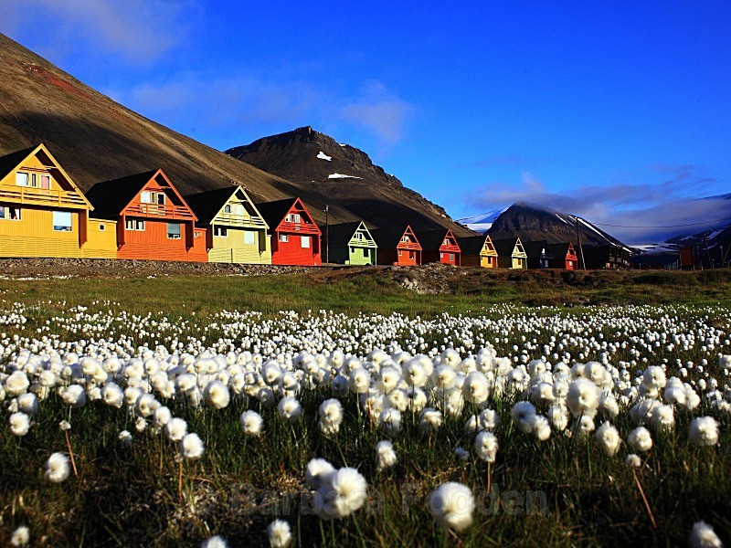 Longyearbyen 0148 - Summer time