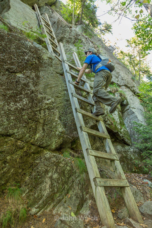 Ladders on Mt. Morgan - The Hiking Experience