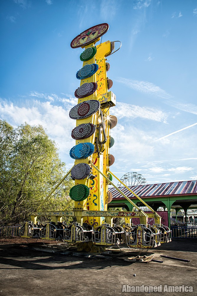 Six Flags (New Orleans, LA) | Krazy Krewe Ride - Six Flags New Orleans