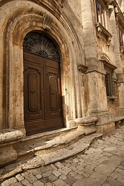 timeworn - Tuscany