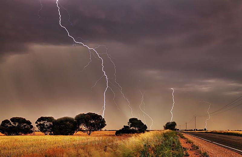 Multi Strikes-2383_7_5-HDR - LIGHTNING STORMS IN SOUTH AUSTRALIA 5th NOV 2012