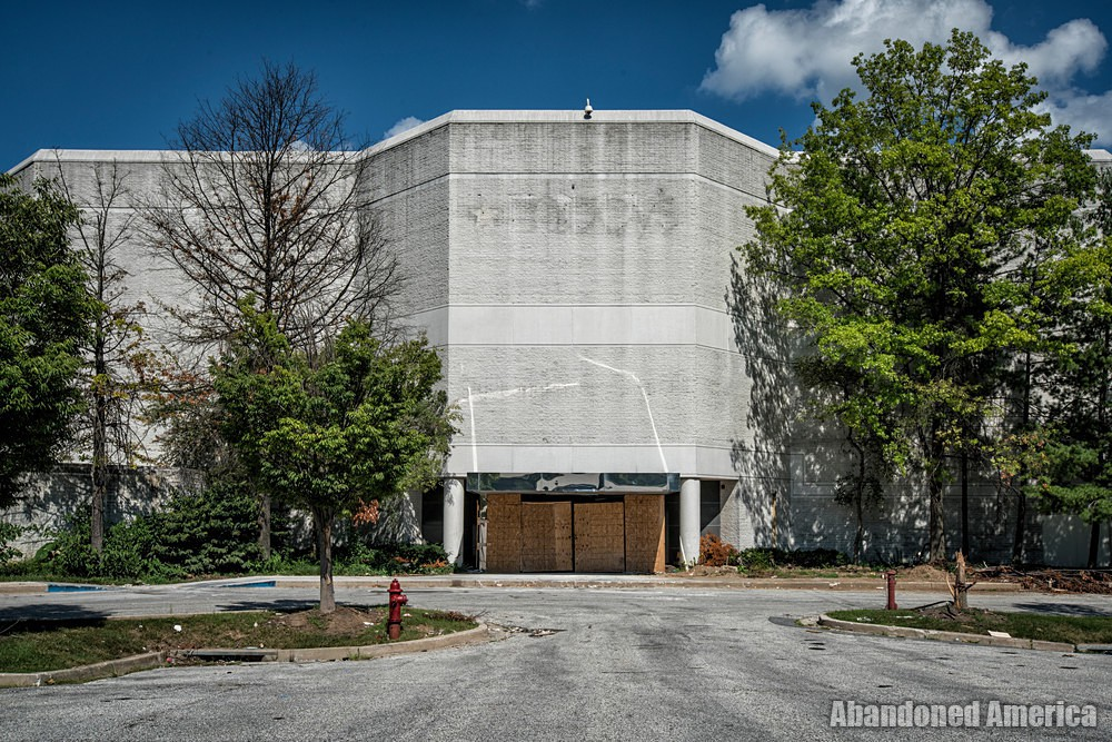 Owings Mills Mall (Owings Mills, MD) | Scarred Macy's Entrance - Owings Mills Mall