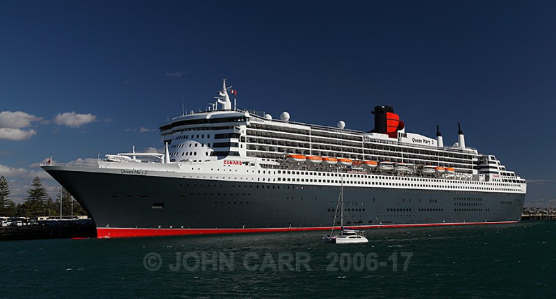 Queen Mary 2-0457 - ARCHITECTURE,  INDUSTRY  & TRANSPORT PHOTOS.