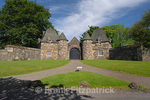 Formakin House gate lodges (1) - Renfrewshire