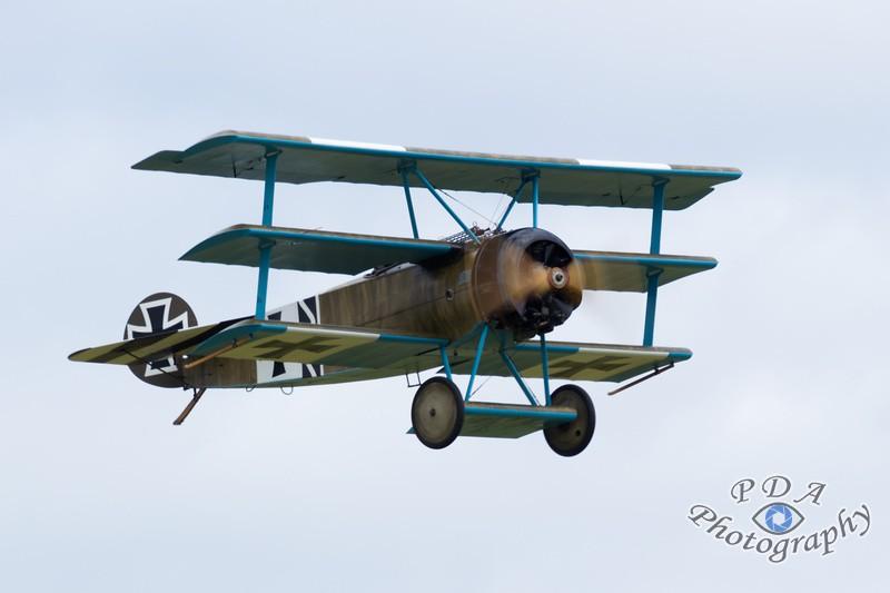 32 Fokker DR1