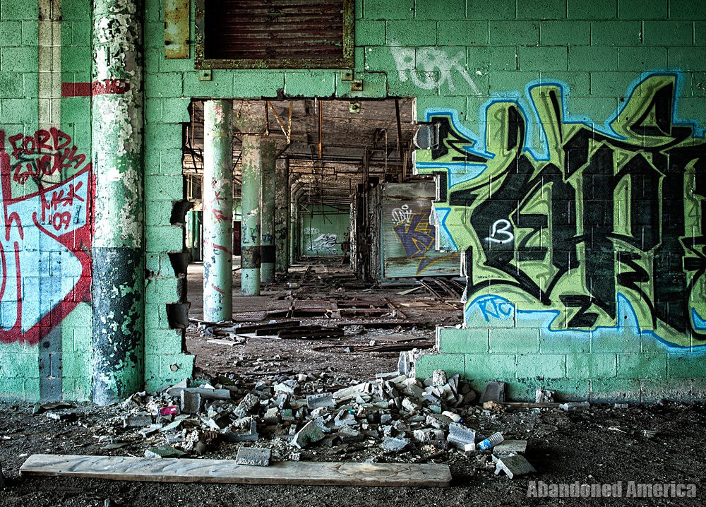 Fisher Body Plant 21 (Detroit, PA) | Hole in the Wall - Fisher Body Plant 21