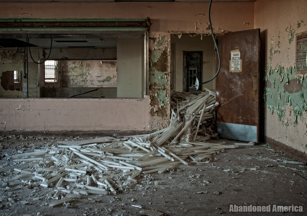 Pilgrim State Hospital (Brentwood, NY) | let there be light(s) - Pilgrim State Hospital