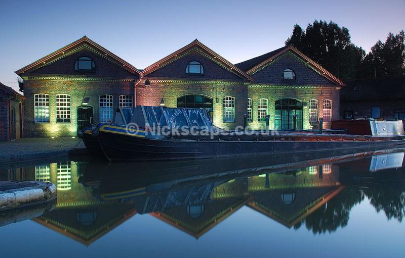 British Waterway Buildings   Hatton Locks at night   Warwickshire Photography Gallery
