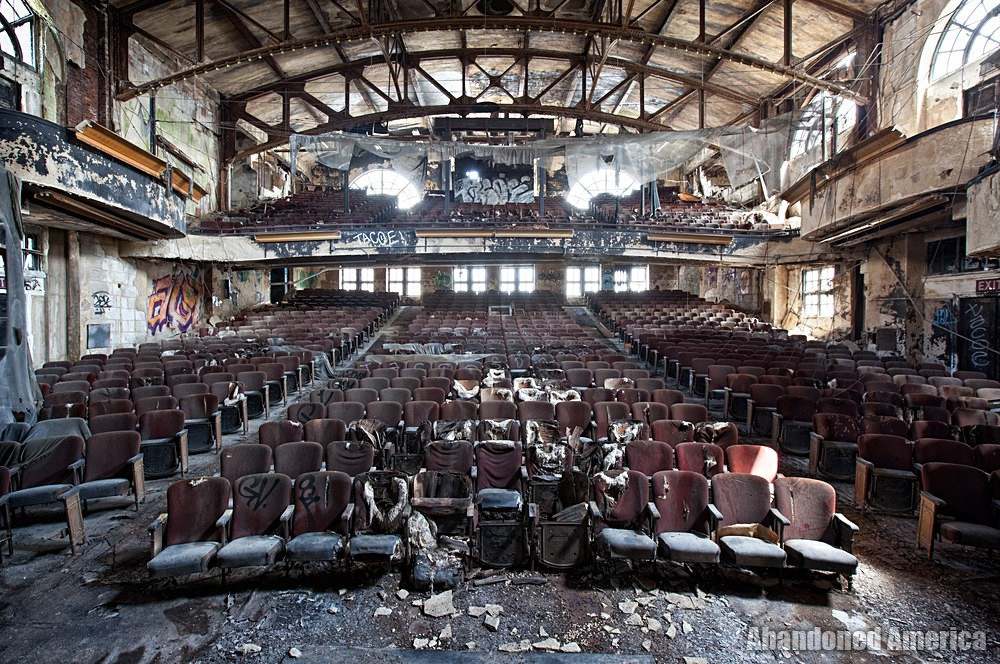 - The Last Blackout: The End to an Era of Theaters