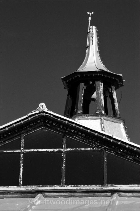 Llandudno pier roof 2 bw - Llandudno and Conwy, North Wales