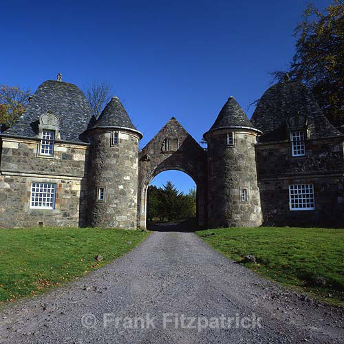 Gate lodges, Formakin House, Bishopton, Renfrewshire, Scotland. - Renfrewshire