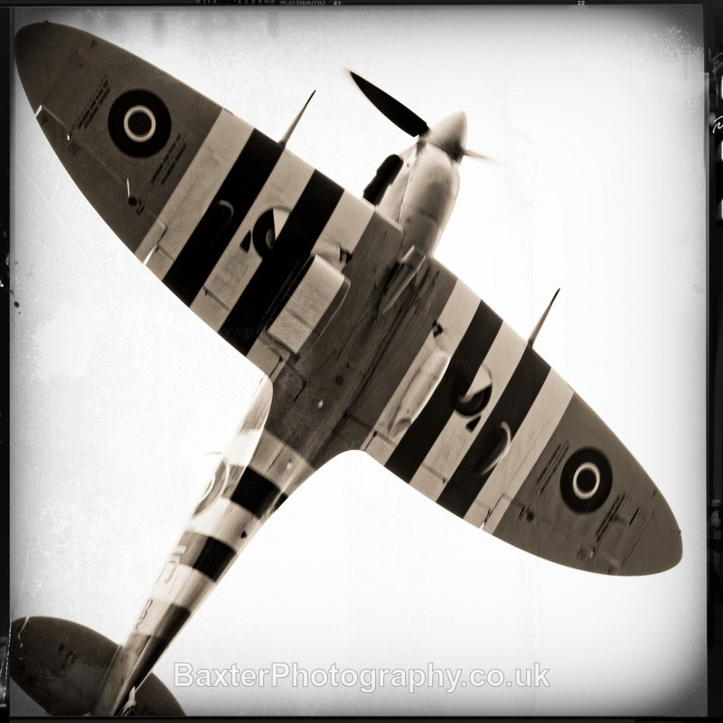 Spitfire in Flight (3) - Miscellaneous