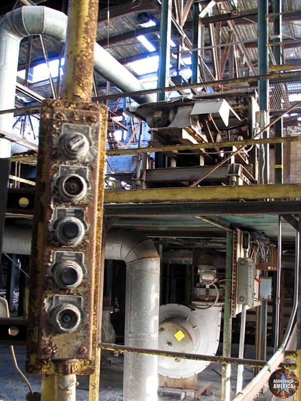 Fostoria Glass Company (Moundsville, WV) | Controls - The Fostoria Glass Company
