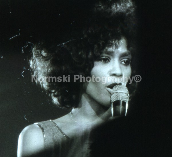 Whitney Houston - MUSIC