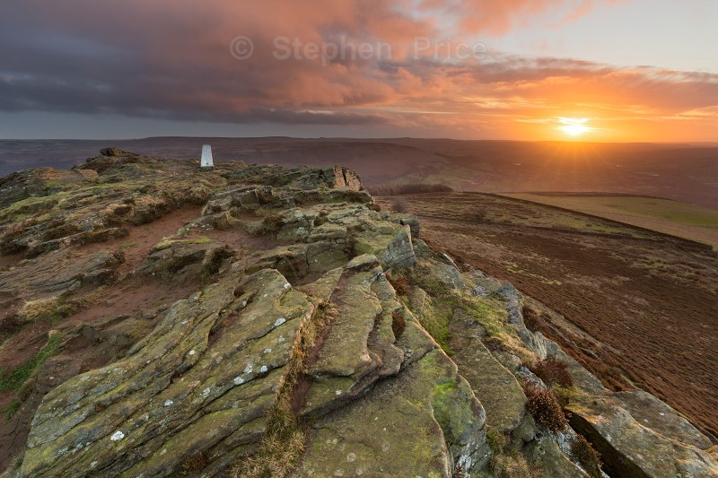 Sunny winter dawn on Win Hill | Peak District Sunrise
