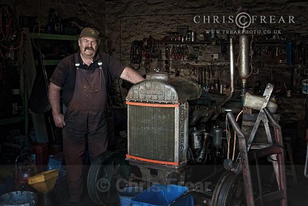 Tractor Alan I - Workshop Portraits