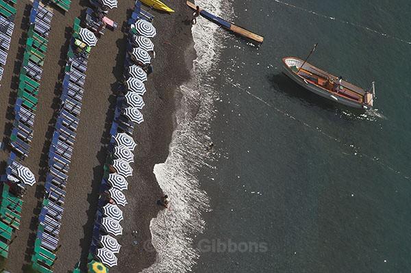 boat and shore - Amalfi Coast