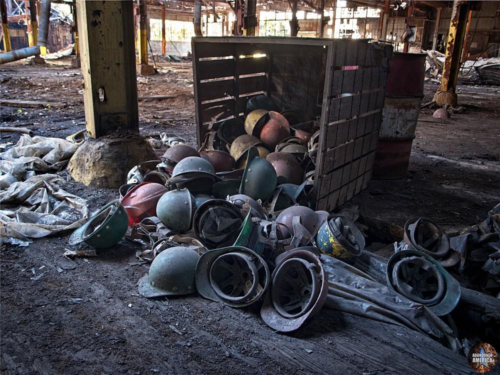 Fort Pitt Casting Co. (McKeesport, PA) | Worker Helmets - Fort Pitt Casting