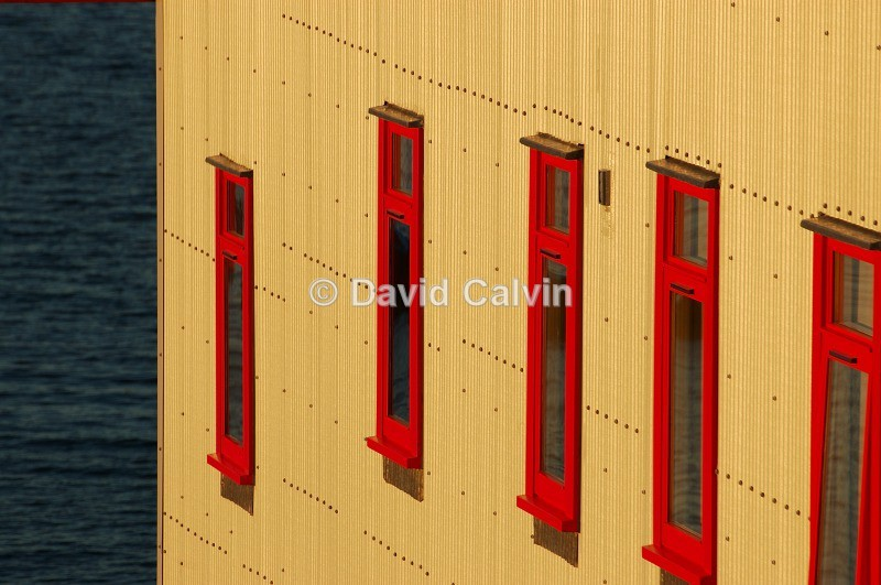 Red Windows - Structures